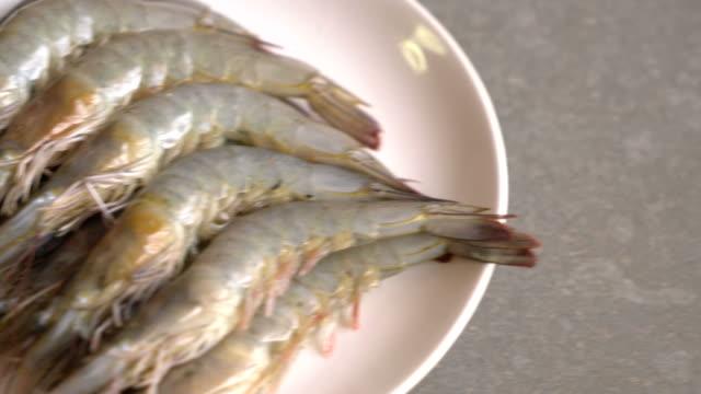 fresh shrimp or prawn