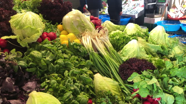 fresh vegetables in fish market - scallion stock videos & royalty-free footage