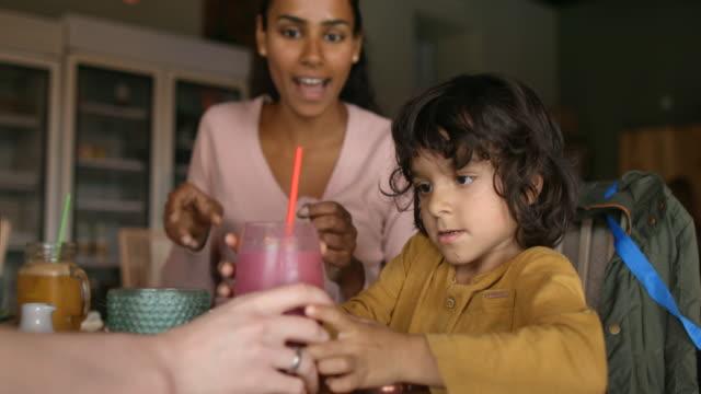 freshly squeezed vegetable juice - smoothie stock videos & royalty-free footage