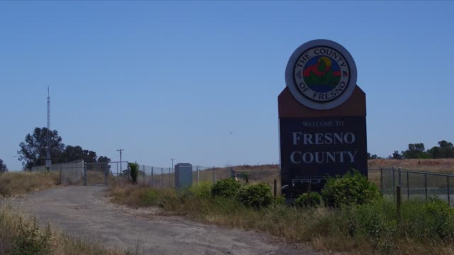 stockvideo's en b-roll-footage met fresno farming - fresno californië