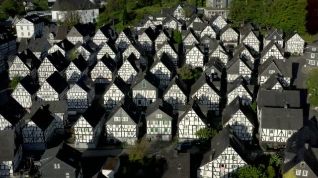 stockvideo's en b-roll-footage met freudenberg at sunrise - vrijstaand huis