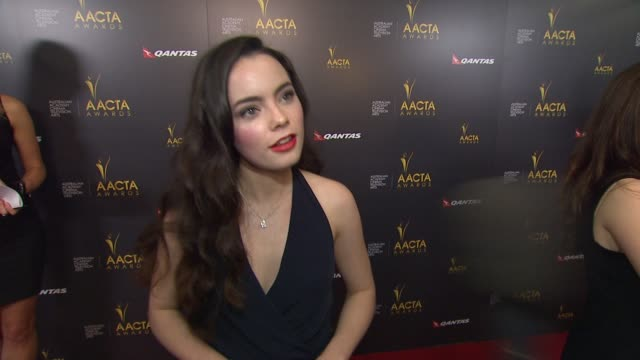 stockvideo's en b-roll-footage met freya tingley on what brings her out, what makes the australian academy a special organization, why its important to have an aussie presence in... - russell crowe