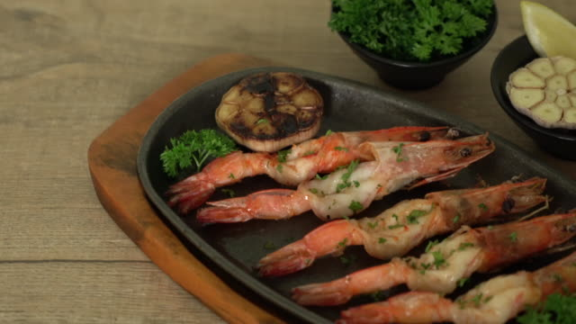 fried shrimps with garlic - scampi seafood stock videos and b-roll footage