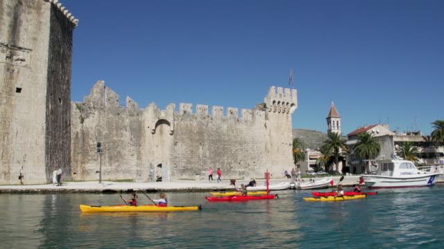 friends kayaking - kayaking stock videos & royalty-free footage