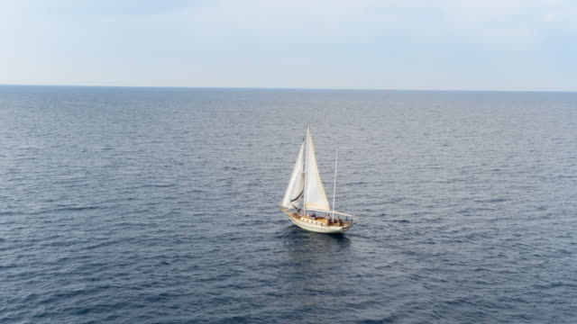 ha ws friends sailing in mediterranean sea on vintage wooden yacht - sailing boat stock videos & royalty-free footage
