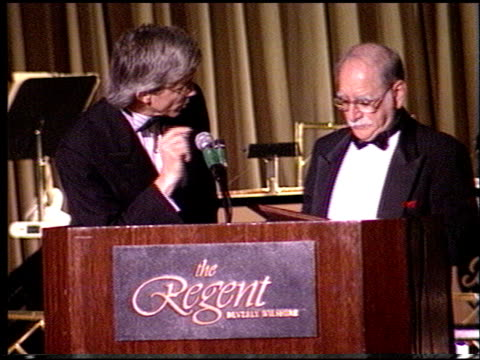 fritz coleman at the rp international vision awards at the beverly regent hotel in beverly hills, california on june 18, 1994. - beverly hills点の映像素材/bロール