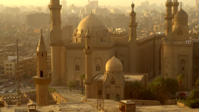from above view of the mosques of sultan hassan and al-rifai. - minareto video stock e b–roll