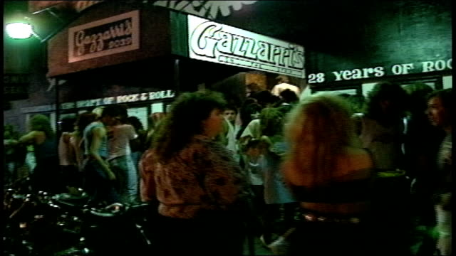 pov from car of crowds outside gazzarri's nightclub in los angeles - nightlife stock videos & royalty-free footage