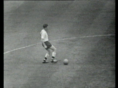 from kick off spurs quickly move up park cross from left hand side finds bobby smith who turns scoring from six yards regaining lead burnley vs... - 1962 stock videos & royalty-free footage