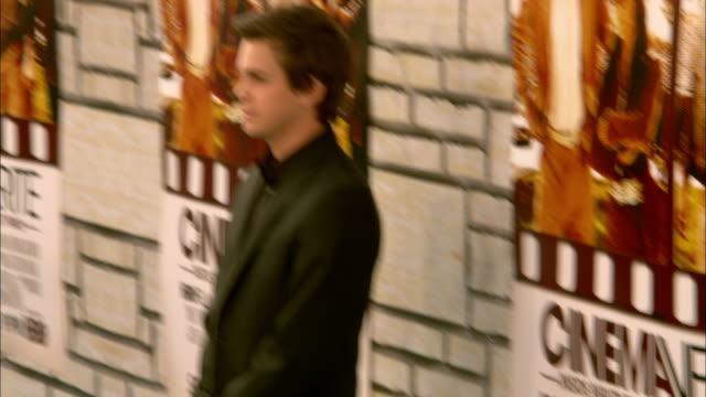 From paparazzi to Johnny Simmons posing for paparazzi on the red carpet at Paramount Studios