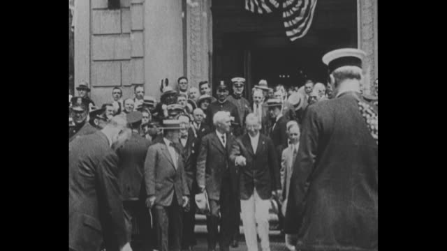 [from scrippshoward documentary about woodrow wilson] title card as governor of new jersey the former president of princeton university campaigns for... - 長点の映像素材/bロール