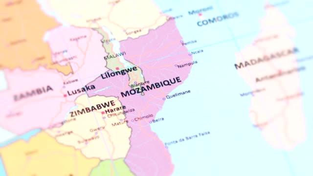 africa mozambique from world map - repubblica dello zimbabwe video stock e b–roll