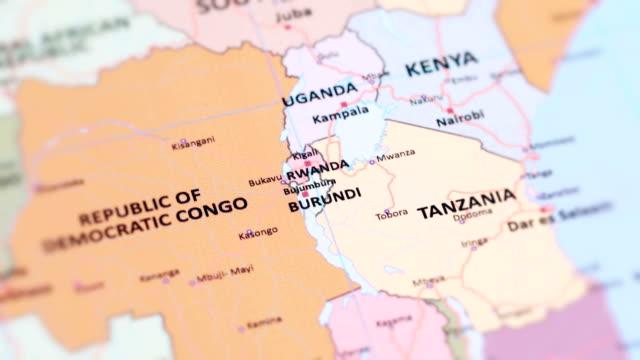 アフリカのルワンダ、ブルンジ世界地図から - キガリ点の映像素材/bロール