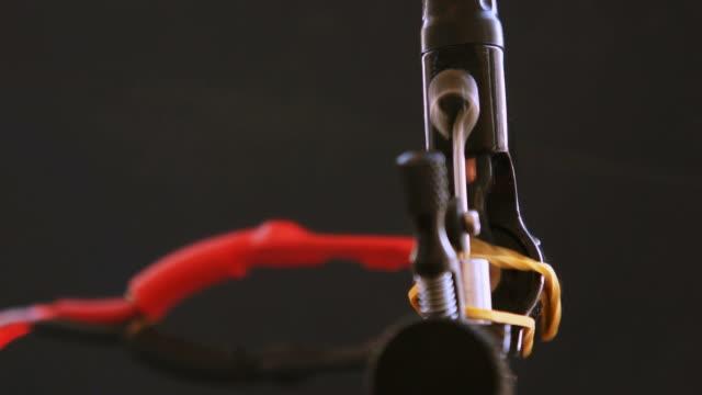 前角のタトゥー機 drive - スケッチコメディー点の映像素材/bロール