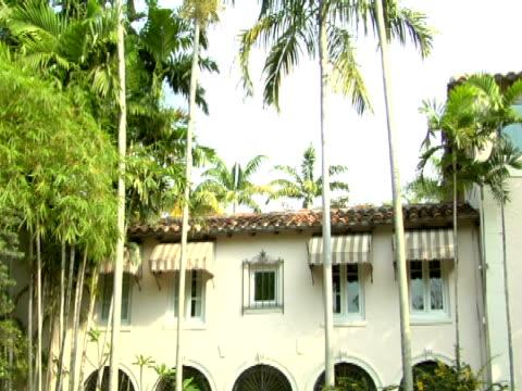ms, td,  front facade of mansion,  miami,  florida,  usa - fächerpalme stock-videos und b-roll-filmmaterial