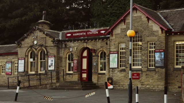 front of haworth train station - no parking sign stock videos & royalty-free footage