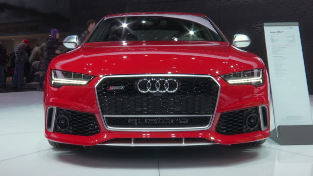 ws front quarter passenger side view of audi rs 7 / cu audi logo on front grille zows front end / cu audi logo on front grille pan leftcu rs 7 grille... - limousine stock-videos und b-roll-filmmaterial