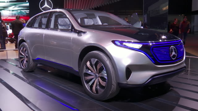 front quarter passenger side view of concept eq / passenger side profile / wheel hub; front wheel / looking down on glass roof of concept eq; rear... - mercedes benz markenname stock-videos und b-roll-filmmaterial