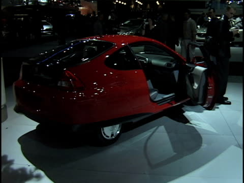 front three-quarter driver side view of honda insight hybrid / rear three-quarter passenger side view of insight / rear end / window sticker price... - dreiviertelansicht stock-videos und b-roll-filmmaterial