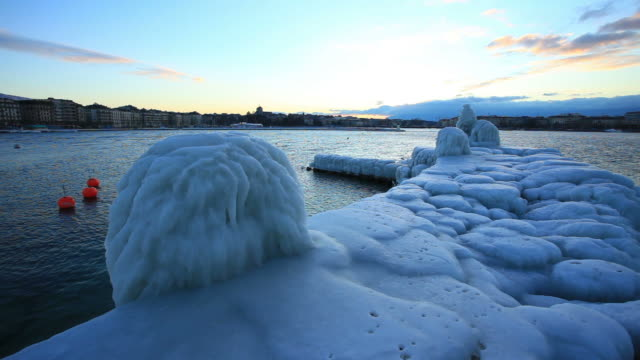 Gefroren Ufer des Genfer Sees