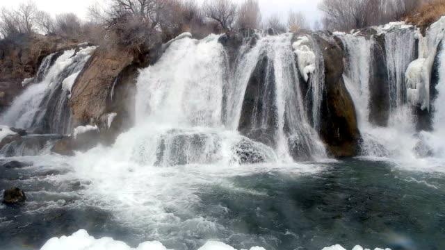 SLOW MOT - Frozen Paradise