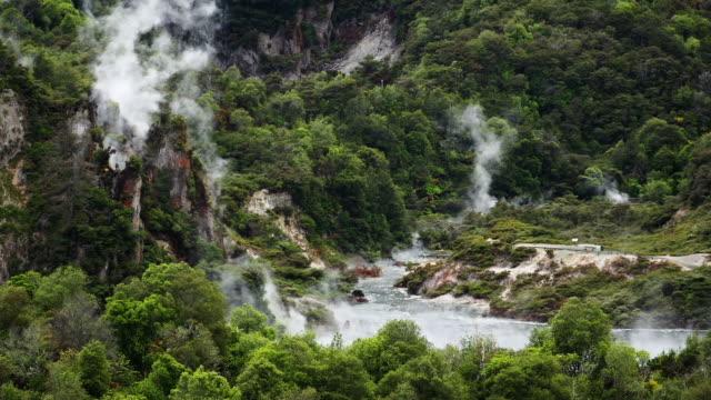 vidéos et rushes de poêle lac nouvelle-zélande - piscine thermale