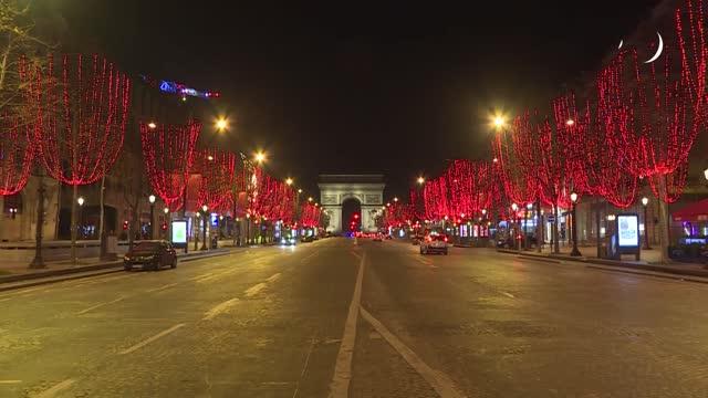 FRA: Una Europa confinada recibe el Año Nuevo