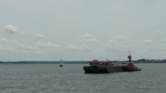 fuel barge - barge stock videos & royalty-free footage