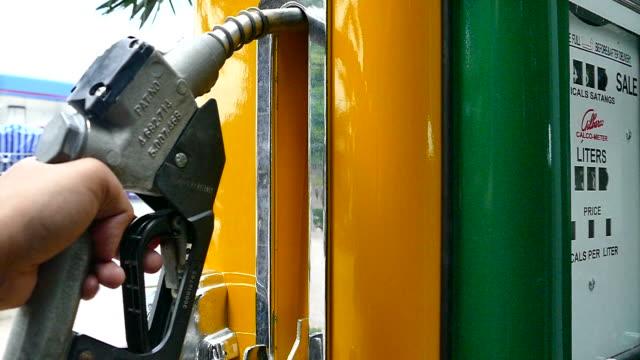 vídeos y material grabado en eventos de stock de full hd de gas combustible - bomba de combustible