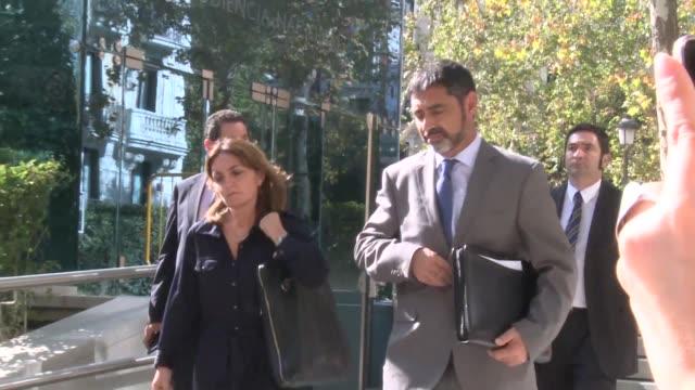 Fuentes judiciales informaron el lunes que el jefe de la policia catalana Josep Lluis Trapero seguira en libertad pese a que la fiscalia de la...