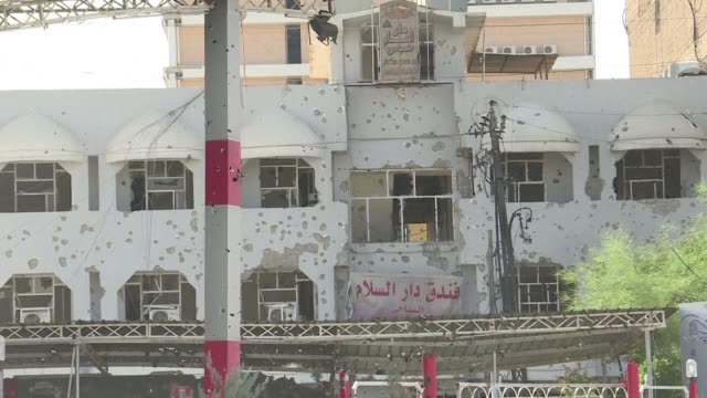 vídeos de stock, filmes e b-roll de fuerzas de seguridad iraquies se enfrentaron por segundo dia con miembros del grupo estado islamico que se infiltraron en la ciudad de kirkuk durante... - irak