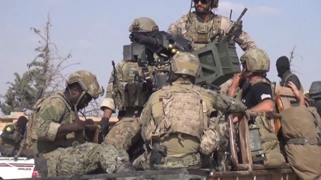 fuerzas iraquies y sirias avanzan en el norte de siria con el apoyo de fuerzas estadounidenses - irak stock videos and b-roll footage