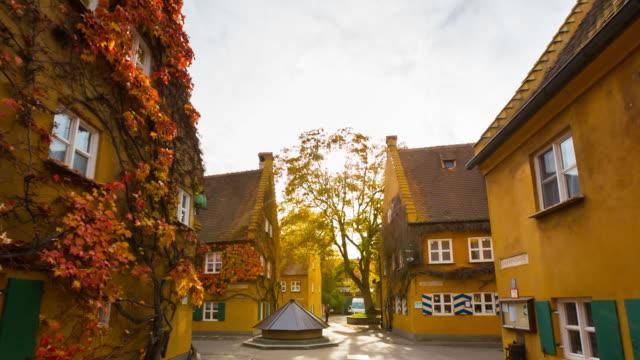 vidéos et rushes de ws fuggerei, the worlds first social housing project - bavière
