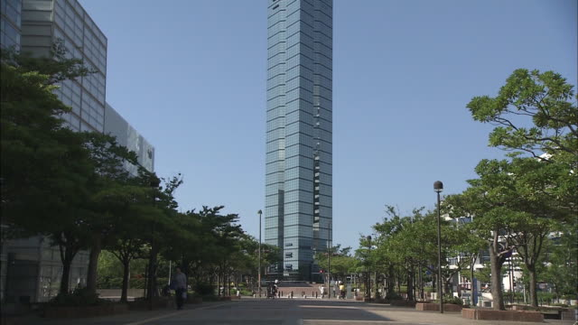 fukuoka tower is one of the most popular landmark tower in fukuoka also plays an important role as the transmission tower which is located at the... - microwave tower stock videos and b-roll footage