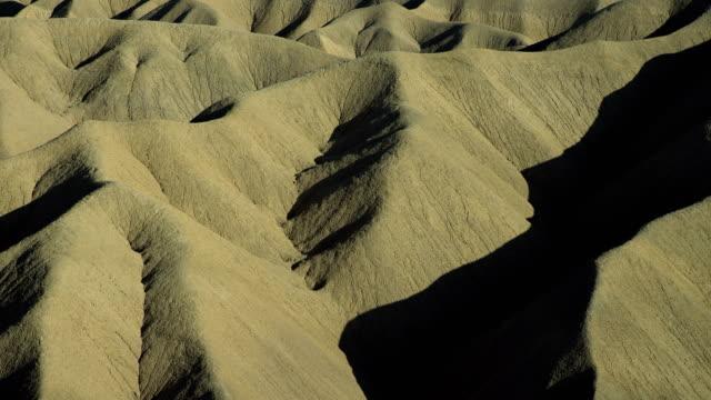 full frame view of carrizo badlands - 北半球点の映像素材/bロール