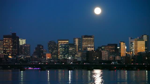 full moon over boston - boston massachusetts bildbanksvideor och videomaterial från bakom kulisserna