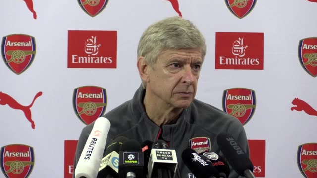 full prematch press conference with arsenal manager arsene wenger who claims his side are not going into the north london derby against spurs as... - アーセン・ベンゲル点の映像素材/bロール