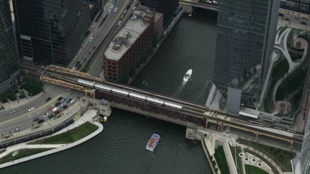 full shot of the lake street bridge - chicago river stock videos & royalty-free footage