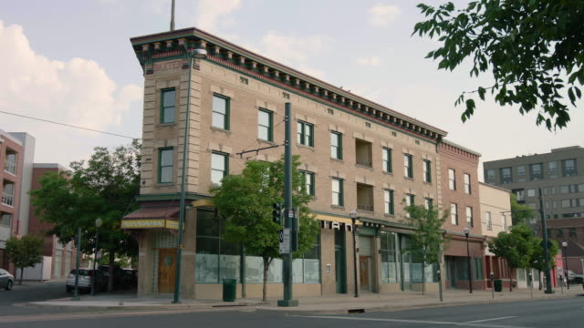 full shot of the rossonian hotel - colorado stock videos & royalty-free footage