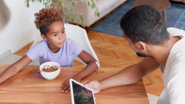 fun family breakfast - gender bender video stock e b–roll