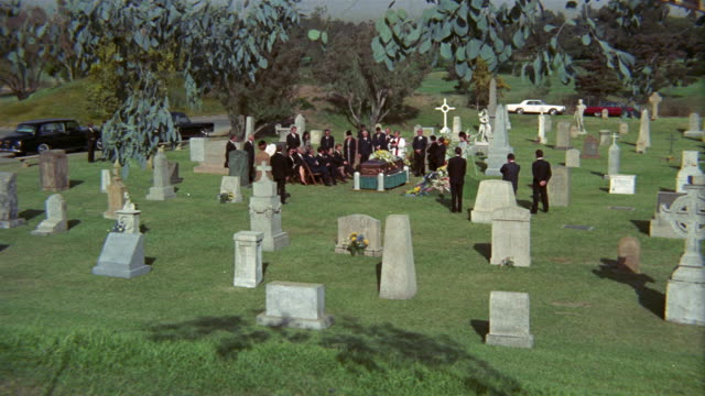 1969 ws zi funeral at cemetery / usa - begräbnis stock-videos und b-roll-filmmaterial