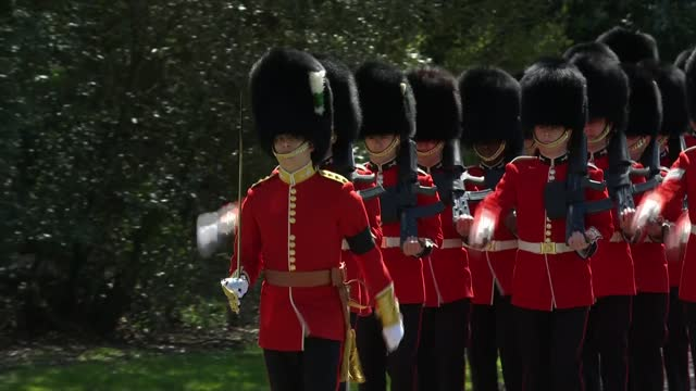 funeral of prince philip, duke of edinburgh: international clean feed: 12.00 - 13.00; england: berkshire: windsor: ext column of royal navy sailors... - berkshire england stock videos & royalty-free footage