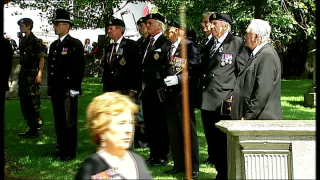 vídeos de stock e filmes b-roll de funeral of world war one veteran henry allingham arrivals and departures mourners arriving including betty hankin birgitte duchess of gloucester /... - baixar