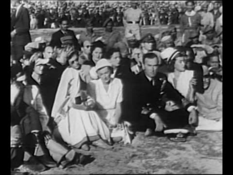 stockvideo's en b-roll-footage met funeral procession for indian political leader mohandas k. gandhi / hindu mourners near gandhi's bier / louis, earl mountbatten of burma, final... - mahatma gandhi