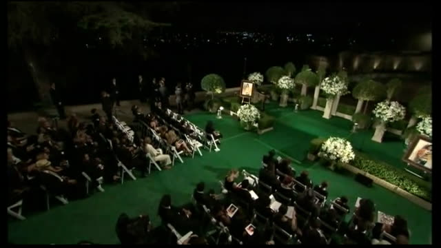 funeral service for michael jackson and jackson brothers in attendance - begräbnis stock-videos und b-roll-filmmaterial