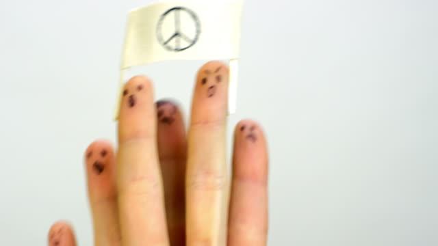 vídeos y material grabado en eventos de stock de dedos de demostración concepto divertido - símbolo de la paz conceptos