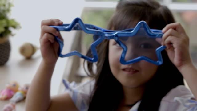 funny glasses - ebete video stock e b–roll