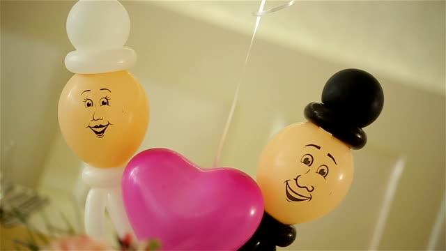 funny wedding balloons decoration - partire bildbanksvideor och videomaterial från bakom kulisserna