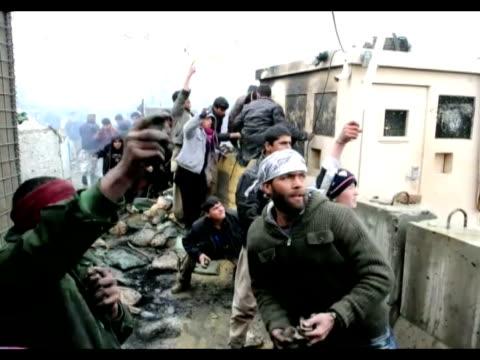 furia contra tropas estadounidenses en afganistan bagram afghanistan - bagram stock videos & royalty-free footage