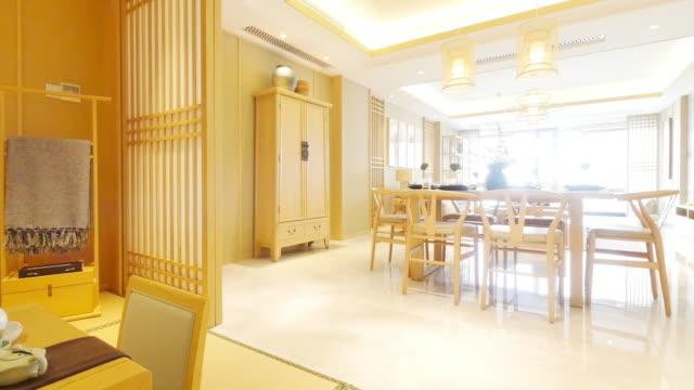 家具やモダンなダイニング ルームのデザイン - テーブルマナー点の映像素材/bロール